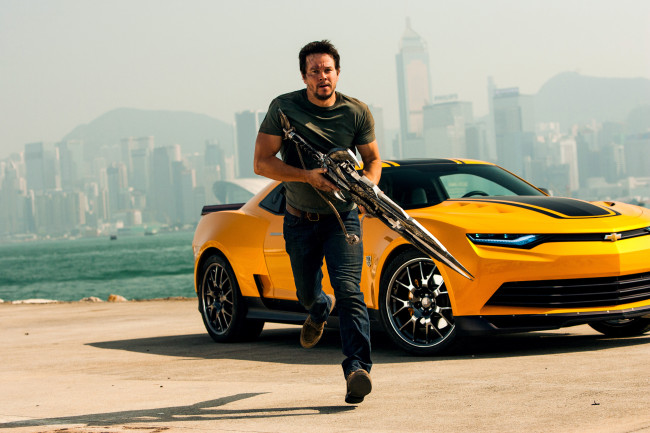 Mark Wahlberg plays Cade Yeager in TRANSFORMERS: AGE OF EXTINCTION, from Paramount Pictures.