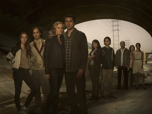 Alycia Debnam Carey as Alicia, Frank Dillane as Nick, Kim Dickens as Madison, Cliff Curtis as Travis, Elizabeth Rodriguez as Liza, Lorenzo James Henrie as Chris, Ruben Blades as Daniel Salazar, Patricia Reyes Spíndola as Griselda Salazar and Mercedes Mason as Ofelia - Fear The Walking Dead _ Season 1, Gallery - Photo Credit: Frank Ockenfels 3/AMC